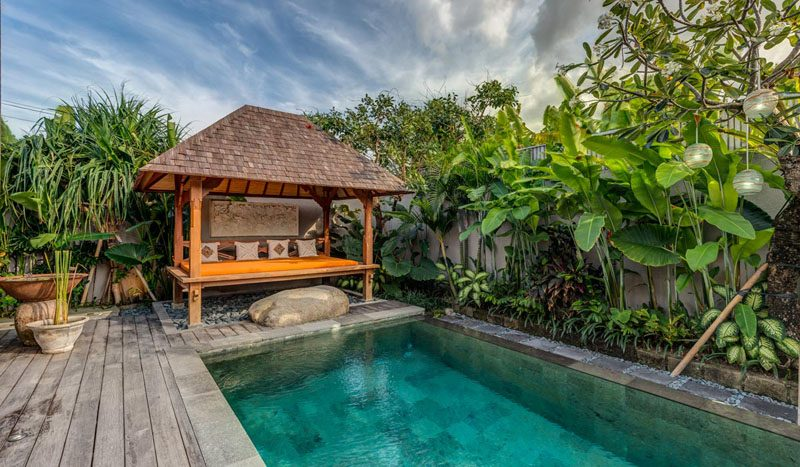 Villa Aramanis Indah Pool and pool bale