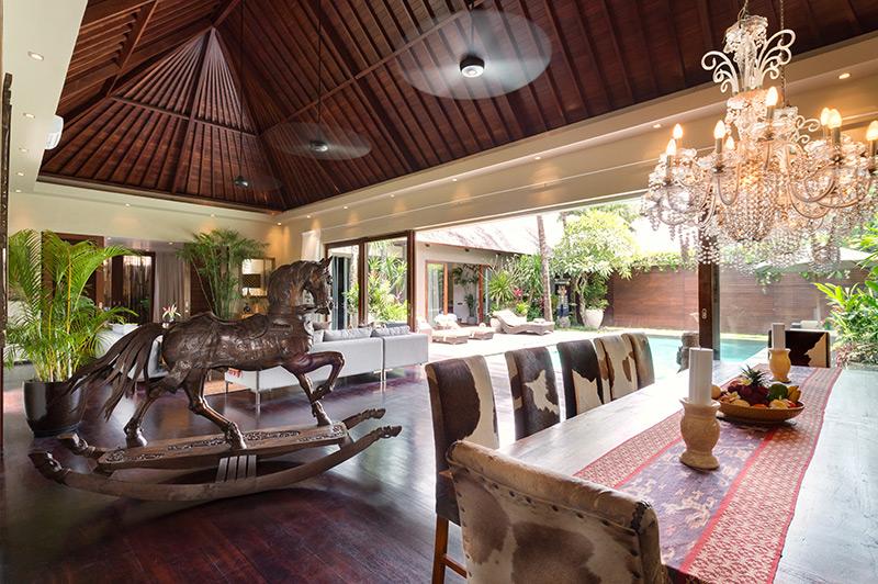 Villa Eshara 1   Dining Area