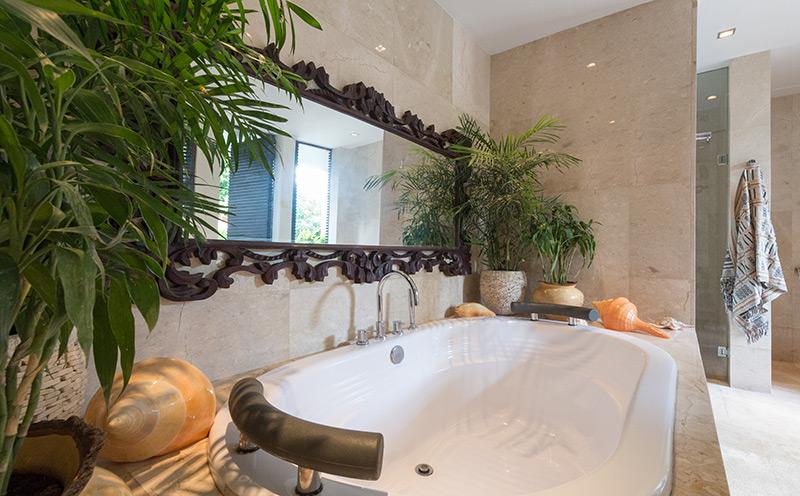 Villa Eshara 1   Ensuite Bathroom