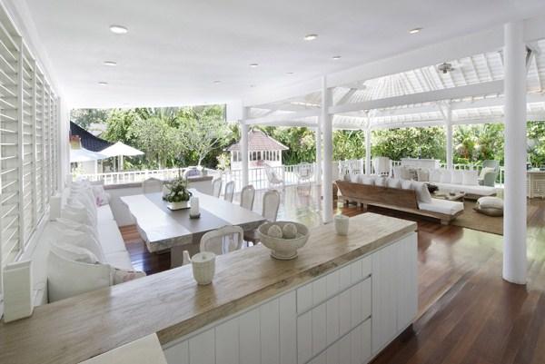 Villa Hermosa   Kitchen and Dining Area