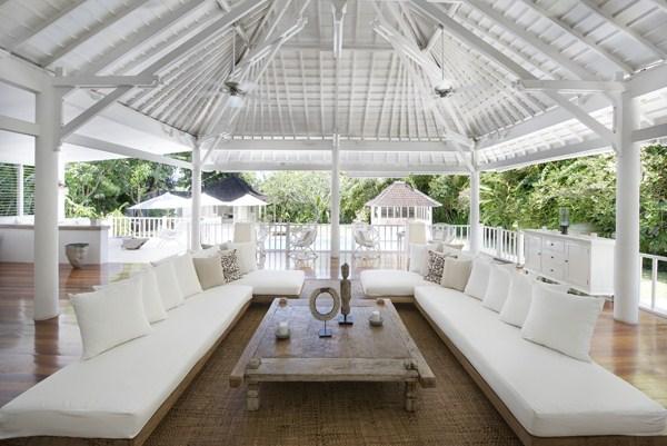 Villa Hermosa   Open Style Living Area