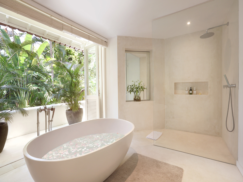 Villa Hermosa   Tropical En Suite Bathroom