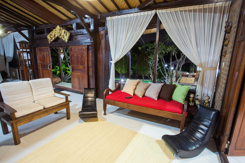 Villa Kubu Ampo  Living Area to ground