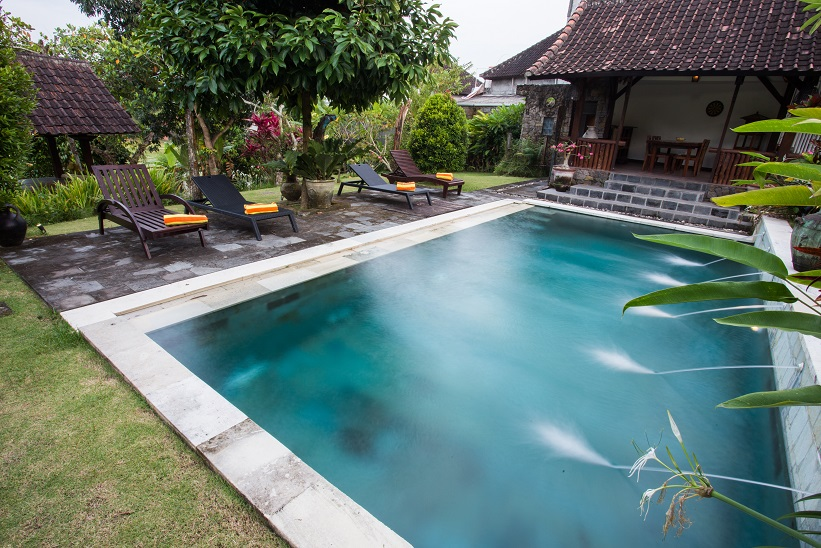 Villa Kubu Ampo   Swimming Pool on the day