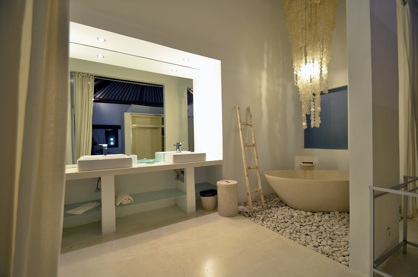 Villa Palm River   1 Bathroom   Guest Bedroom 1