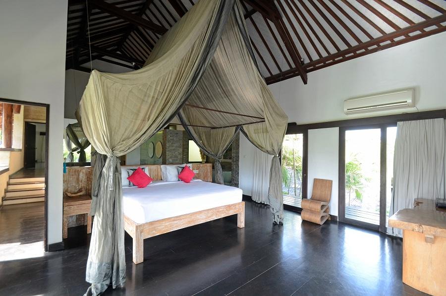Villa Palm River   1 Master Bedroom (2)