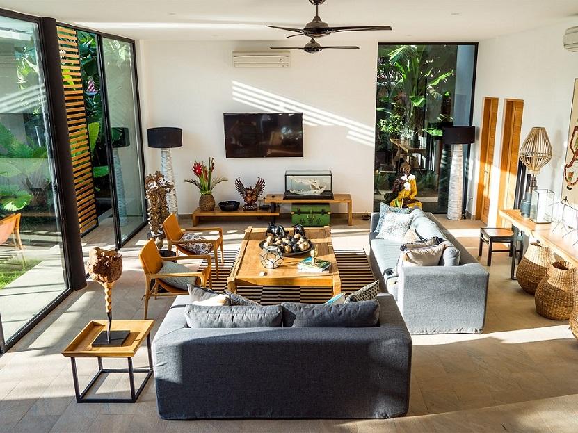 Villa Vida   Modern Living Area