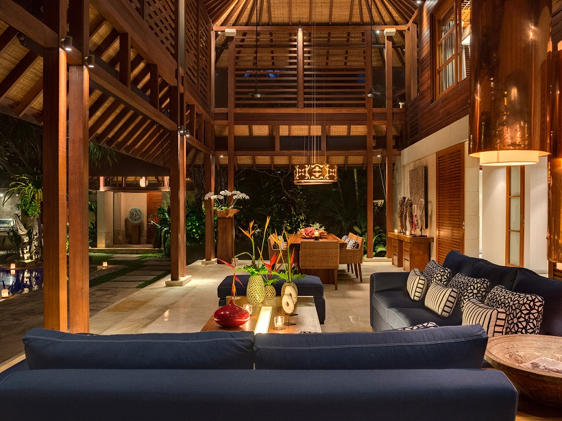 Villa Windu Sari   Living room at night