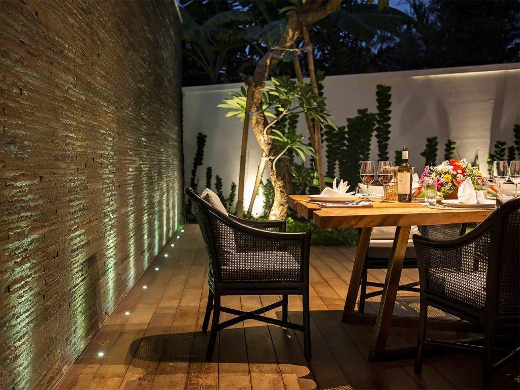 13. Villa Indrani   Outdoor dining area
