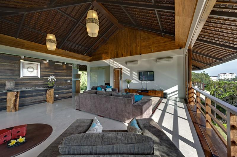 Villa Aiko   Upstairs Open Living