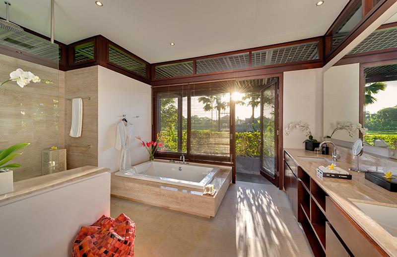 Villa Bendega Nui   Bathroom With View