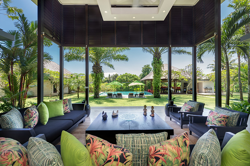 Villa Bendega Nui   Lavish Garden