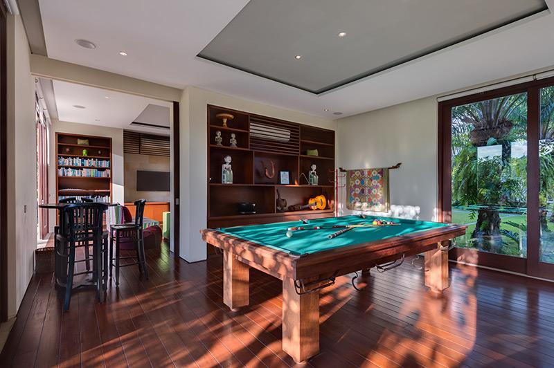 Villa Bendega Nui   Pool Table
