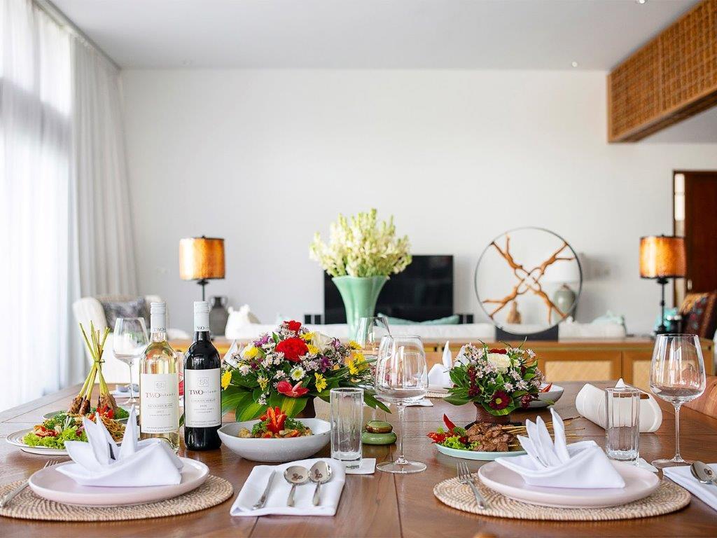 Villa Indrani   Fabulos dining setup