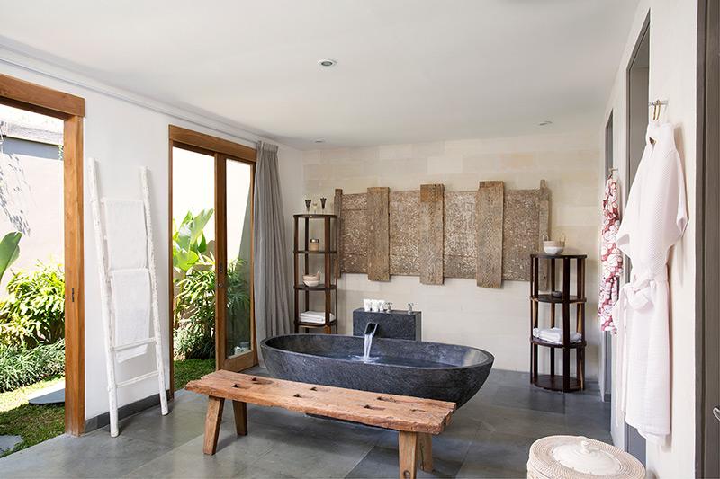 Villa Levi   Bathroom with Stone Bathtub